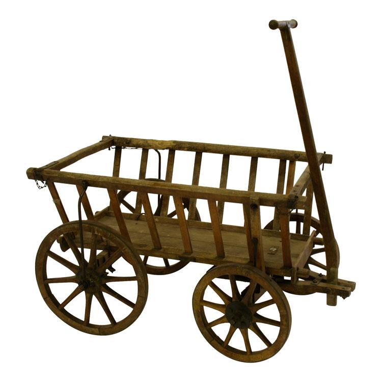 schöner Holz-Leiterwagen